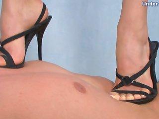 Karolina Videos - Under-Feet